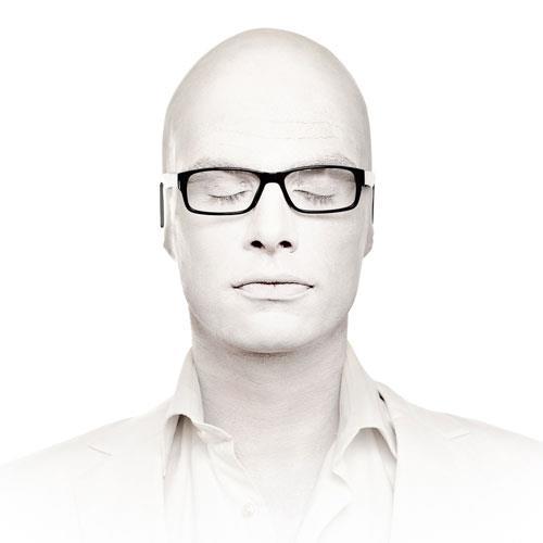 Mr.WHITE