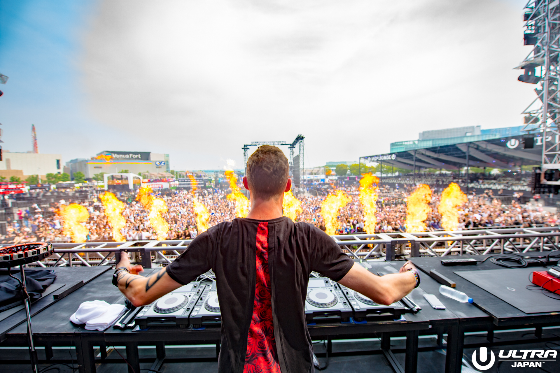 ultra-japan-2016-tomswoon